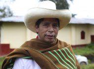 miseria rural impulsa candidatura de maestro en peru