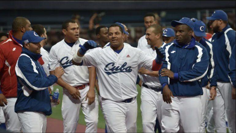 Régimen cubano dice no tener visas para sus peloteros que participarán en el preolímpico de béisbol en West Palm Beach