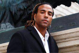 el rapero cubano yotuel conmovio a los asistentes al foro defensa de la democracia en las americas al recitar los versos de patria y vida