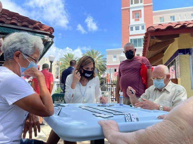 Reabre el histórico parque del dominó, un ícono de la Pequeña Habana