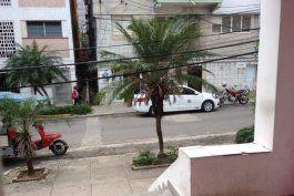 activistas, artistas y periodistas cubanos bajo cerco policial