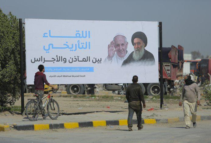 El osado viaje del papa Francisco a Irak: AP Explica
