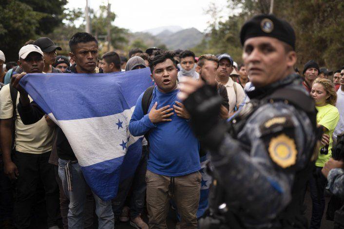 Desesperanza impulsa la continua emigración de hondureños