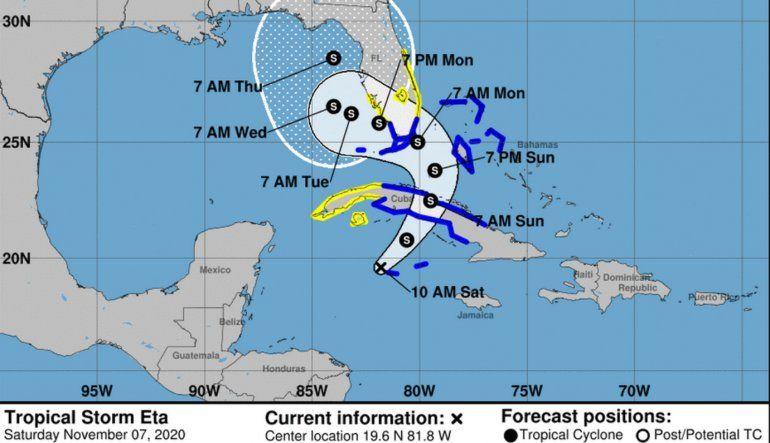 Eta ya es tormenta tropical y se está aproximando al sur de la Florida