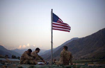 Blinken viaja a Afganistán para defender los planes de Biden