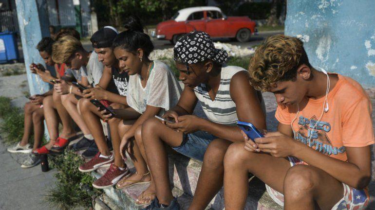 Régimen aumenta control sobre internet y redes sociales