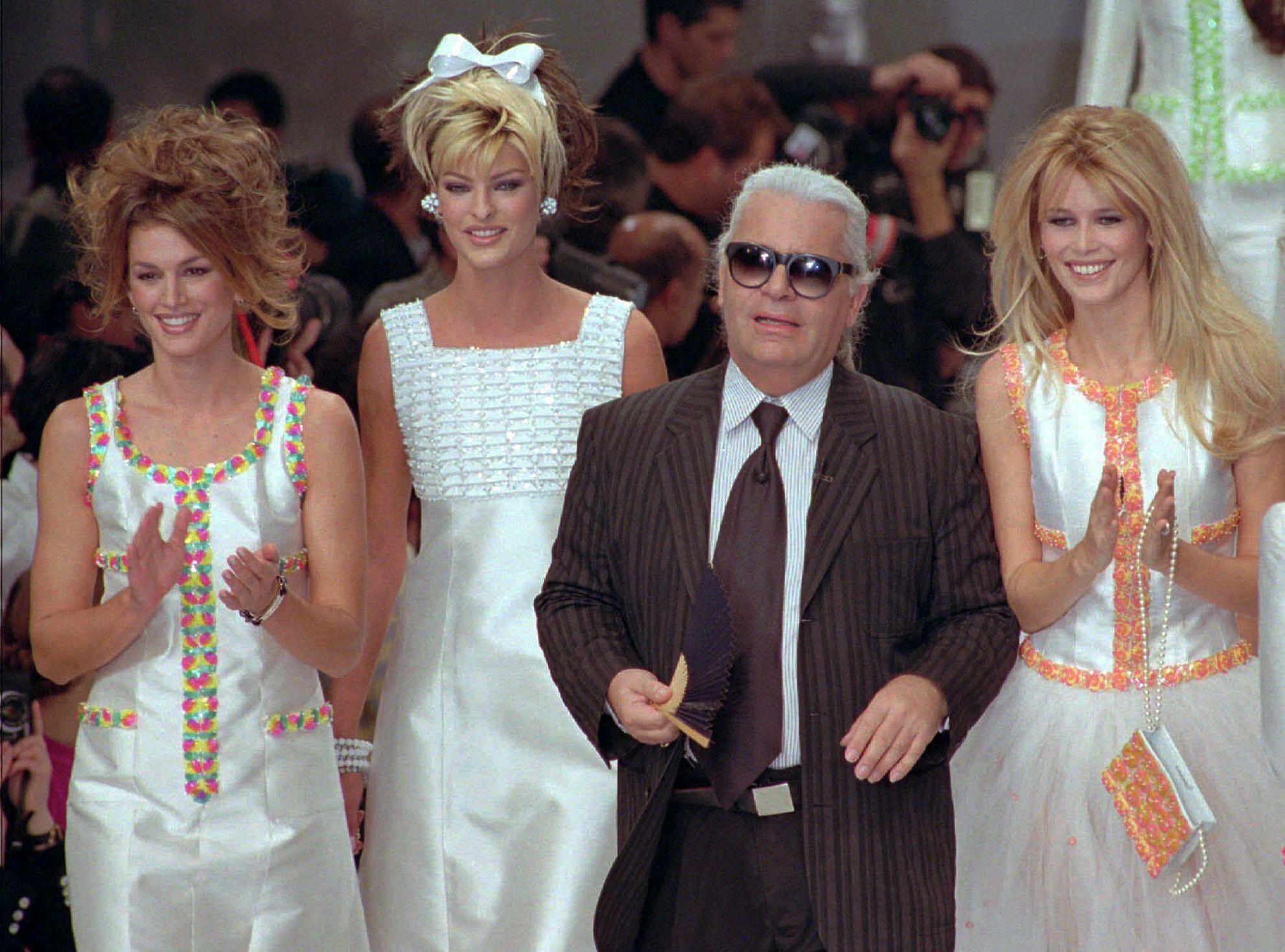 Muere Karl Lagerfeld, famoso diseñador de moda de Chanel
