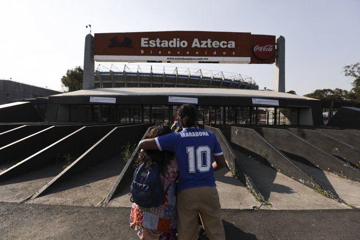 Homenaje a Maradona en el Azteca, donde se consagró