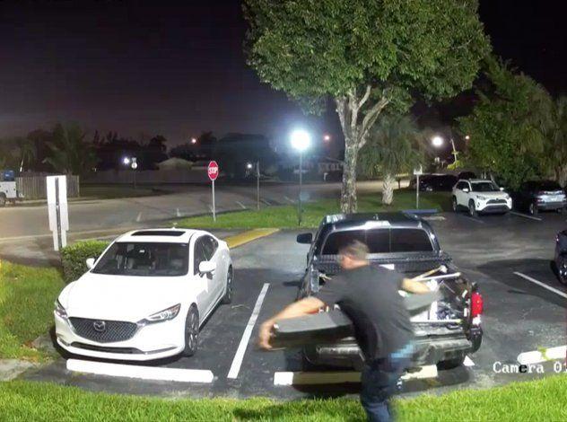 Buscan a ladrones de puertas de camionetas en el área de Kendall
