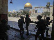 palestinos y colonos se enfrentan en vecindario de jerusalen