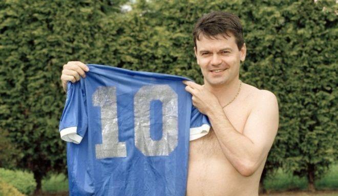 ¡Tiene la camiseta original que usó Maradona contra Inglaterra!