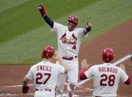 cardenales frenan mala racha, ganan a indios 8-2