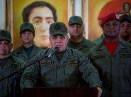 el ministro vladimir padrino lopez pregona soberania mientras venezuela es escenario de guerra entre grupos irregulares