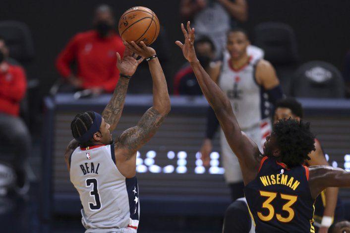 Wizards superan a Warriors con canasta de Beal al final