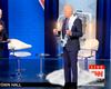 VIDEO: Una extraña postura de Biden durante un foro acumula millones de visualizaciones y desata  avalancha de memes