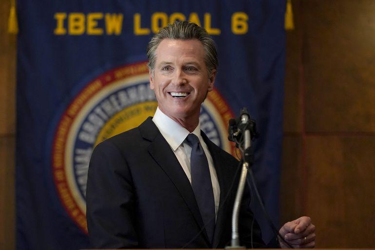 Gobernador de California Newsom supera referendo revocatorio