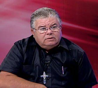 Entrevista: Padre Conrado con Félix Guillermo