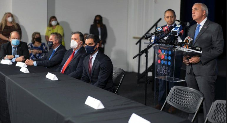 Régimen arremete contra exilio histórico de Miami por pedir a Biden que no levante sanciones a Cuba