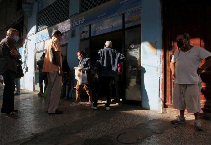Anuncian que habrá menos pan en La Habana en medio de una escasez ya prolongada