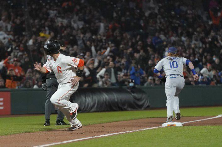 Pifia de Belinger da triunfo a Gigantes sobre Dodgers