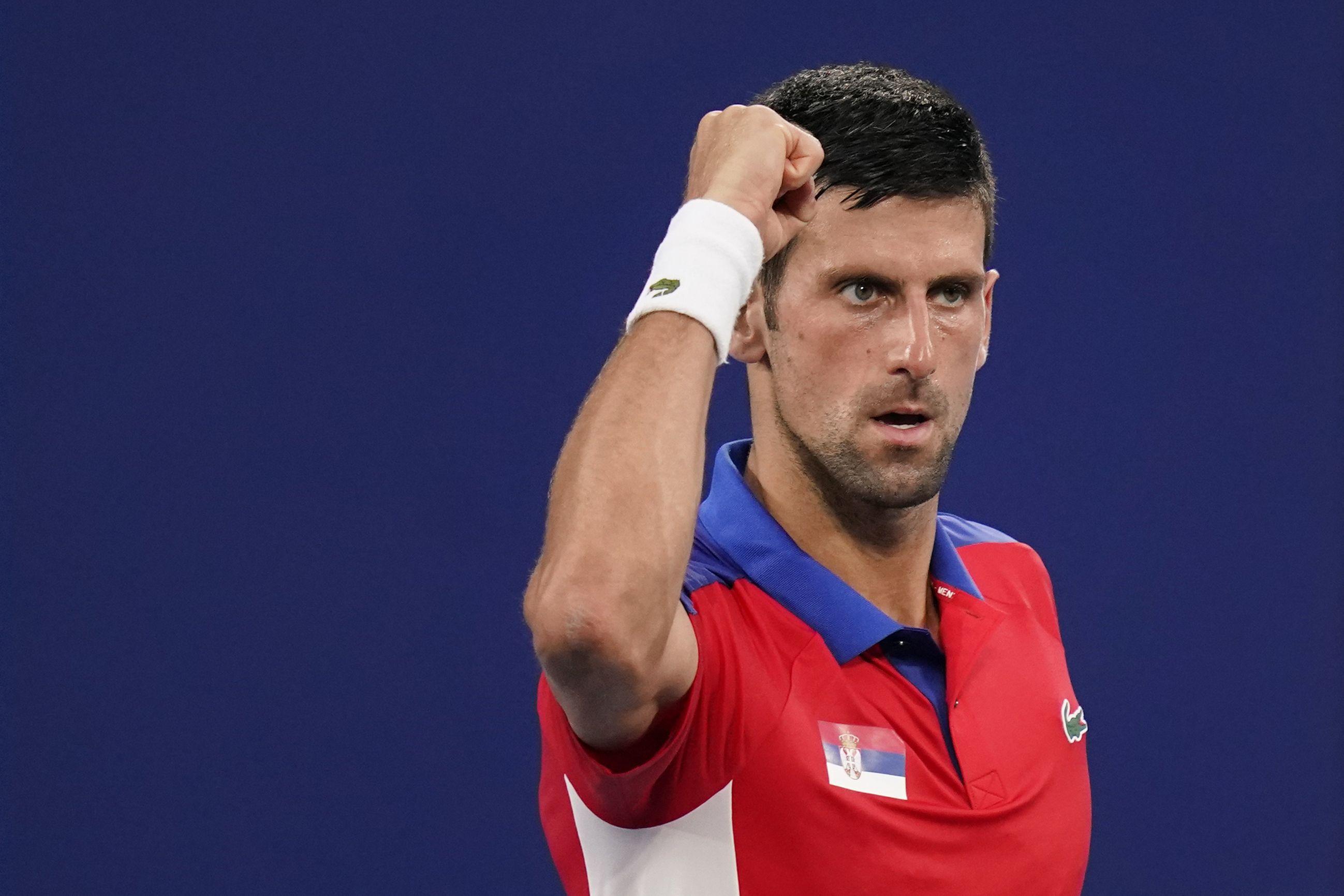 Djokovic y Medvedev destacan para finales de Copa Davis