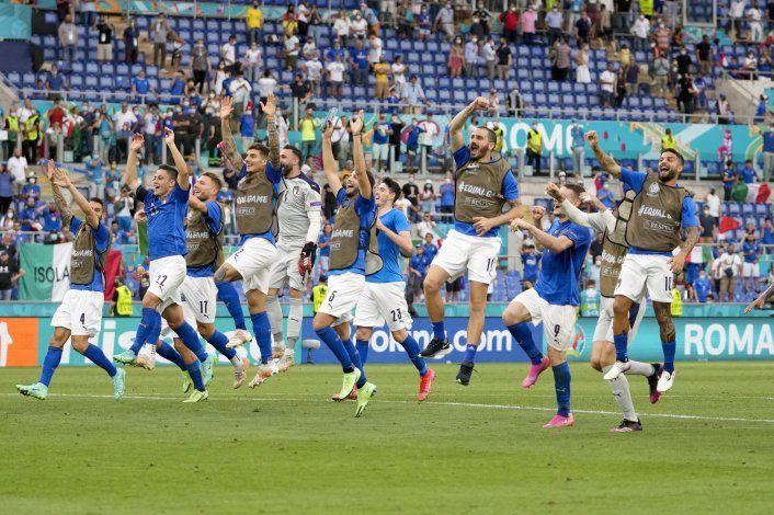 Italia le dice adiós al catenaccio. Ahora juega al ataque