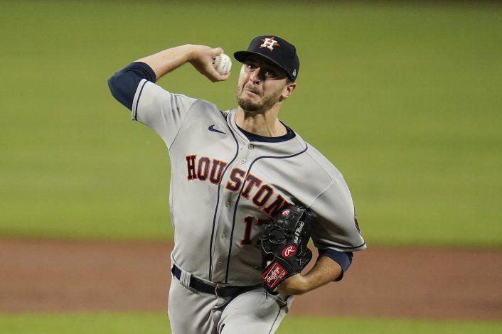 Astros lanzan sin hits hasta 8vo, aplastan a Orioles 10-2