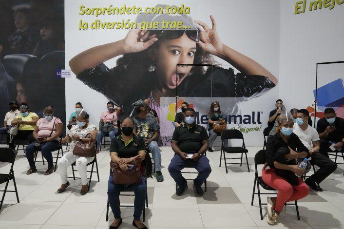 Más escándalos por vacunación contra COVID-19 en Panamá