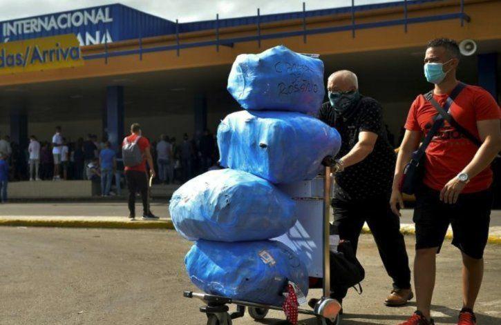 Cuba autoriza excepcionalmente a viajeros la importación de alimentos y medicamentos sin límites ni aranceles