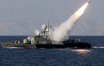 Tensión en el Estrecho de Ormuz: un buque de EEUU lanzó disparos de advertencia contra barcos iraníes