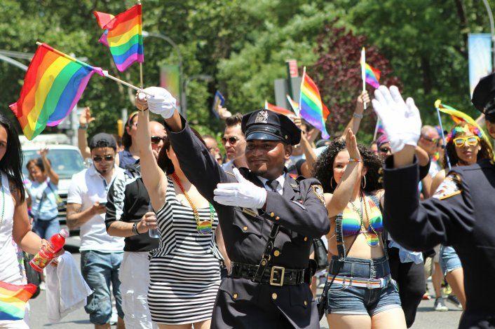 Vetan a policías de eventos del Orgullo Gay en NY