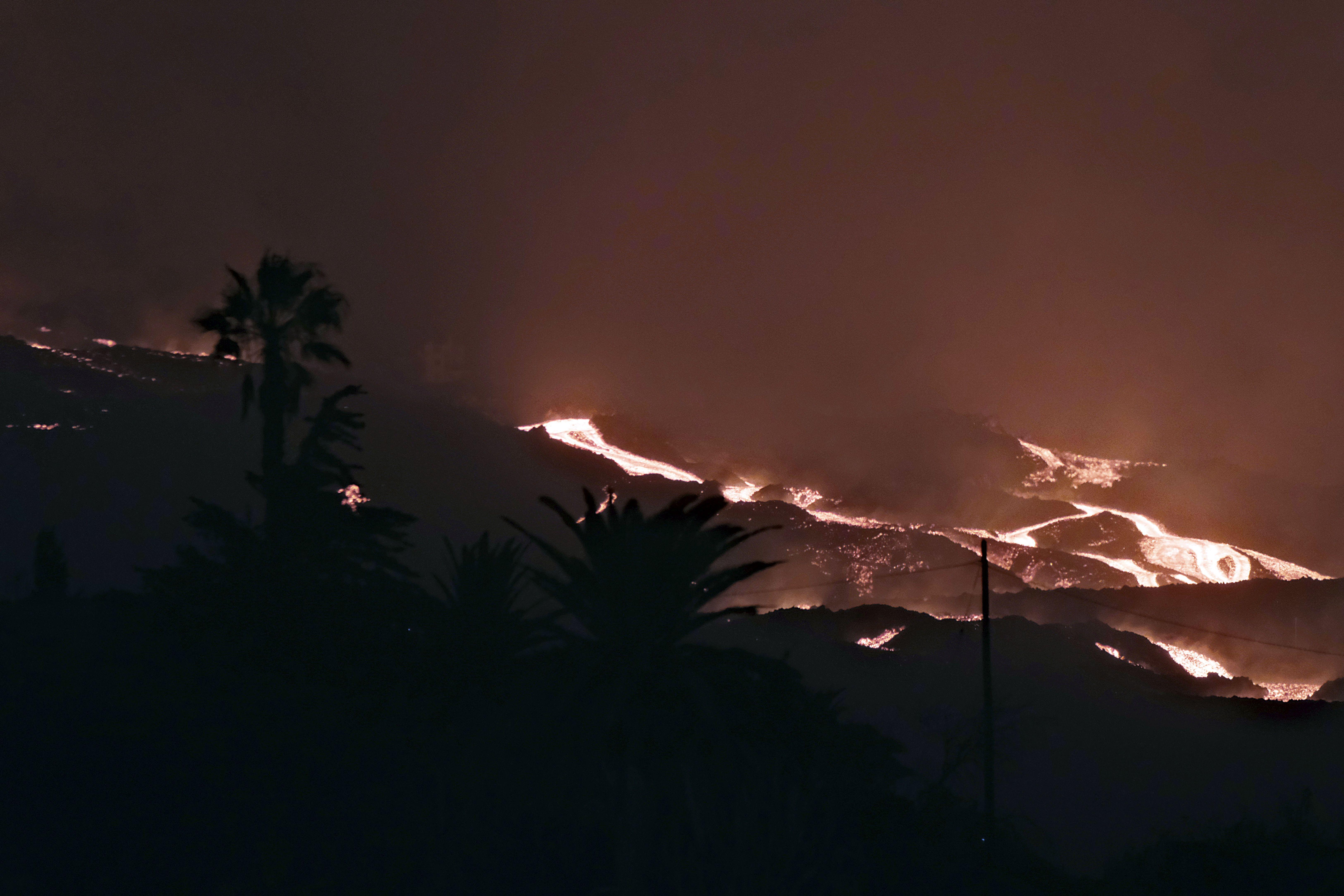 la erupcion en isla espanola continua tras 4 semanas
