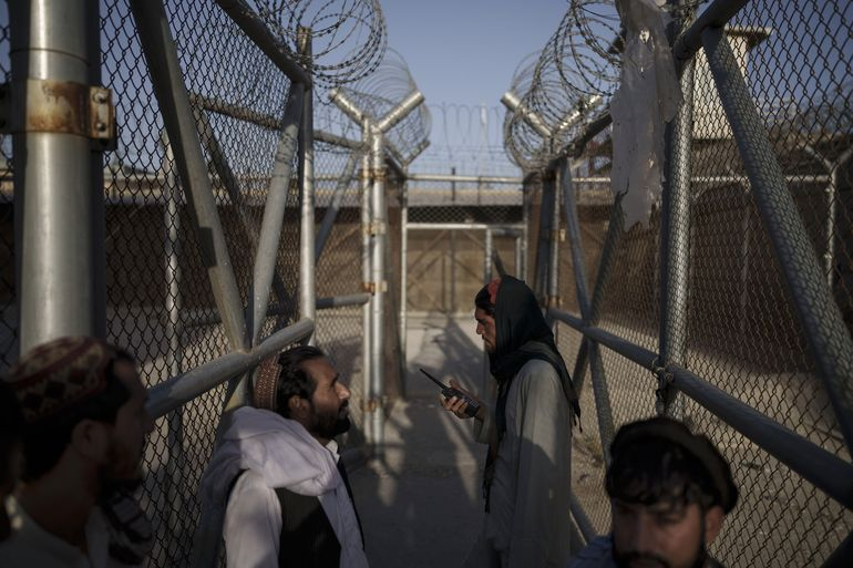 Exreos talibanes controlan ahora el principal penal de Kabul