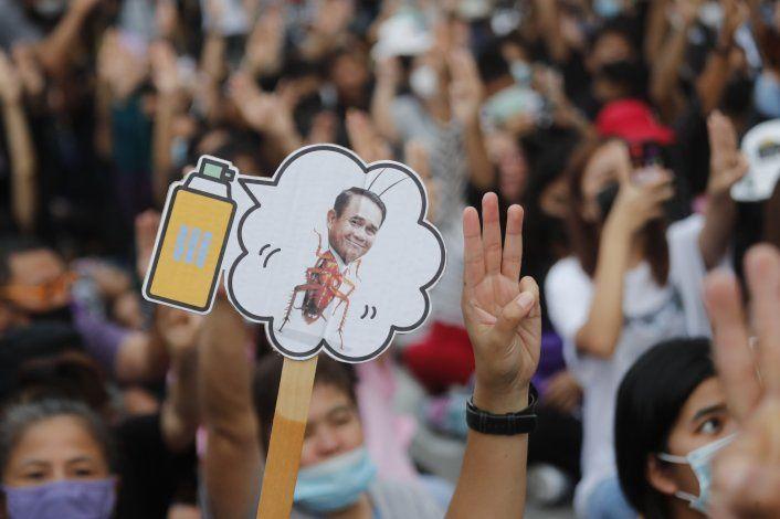 Tailandia: líder pide calma antes de ultimátum de activistas