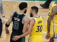 tatum anota 44 y celtics superan a warriors