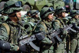 los disidentes de las farc obligan a venezolanos a dejar sus casas en apure