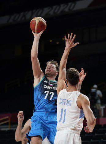 Con Doncic magistral, Eslovenia derrota a Argentina 118-100