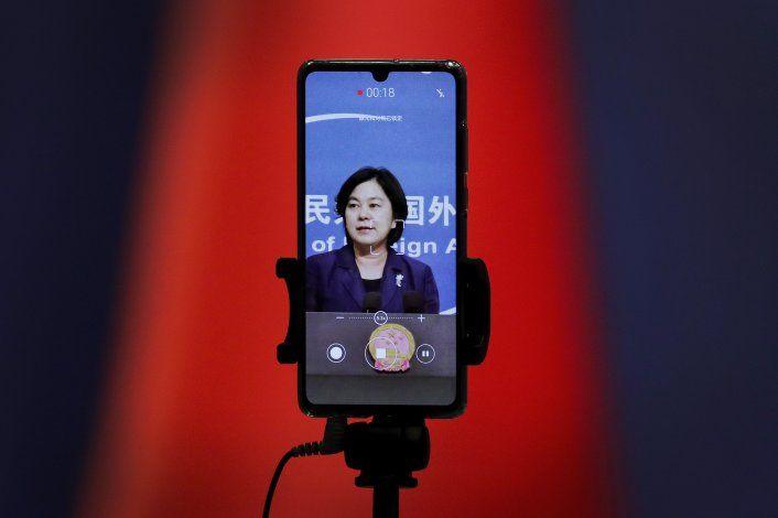 China defiende uso de Twitter, Facebook en campaña COVID-19