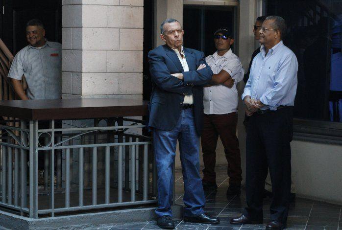 EEUU prohíbe ingreso de expresidente hondureño Lobo Sosa