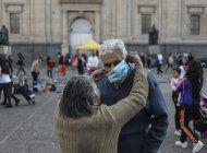 chilenos y residentes vacunados podran viajar al extranjero