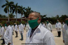 Rubio y Menéndez quieren restaurar un programa especial para médicos cubanos (Archivo).