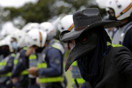 brasil: autoridades piden confinamientos por covid-19
