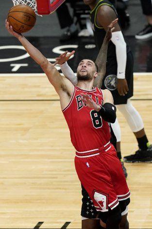 LaVine anota 35; Bulls superan a Wolves en prórroga