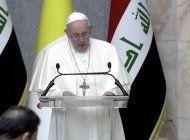 el primer discurso del papa francisco en irak: basta de extremismos, facciones e intolerancias