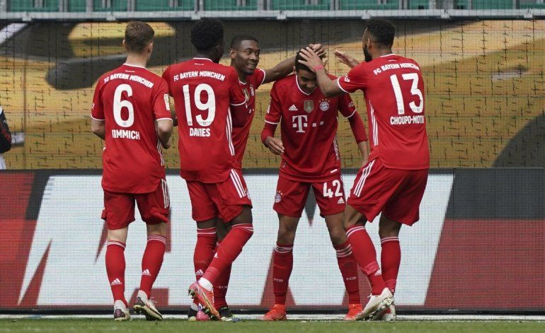 Musiala anota 2 en triunfo de Bayer sobre Wolfsburg