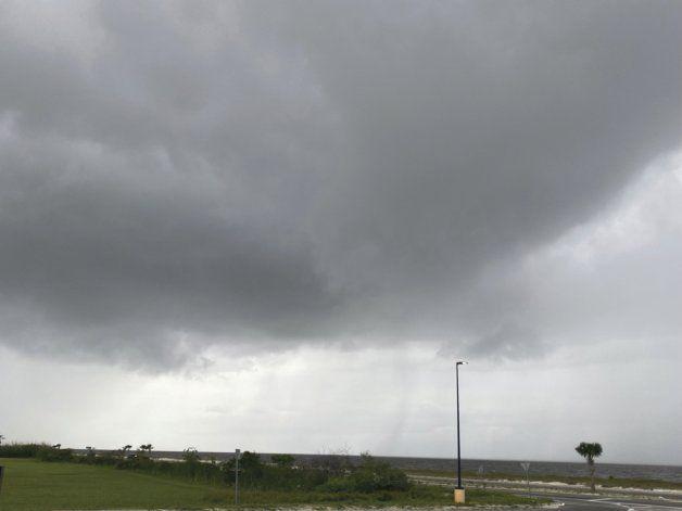 Sistema tropical dejará lluvias, crecidas en Golfo de México