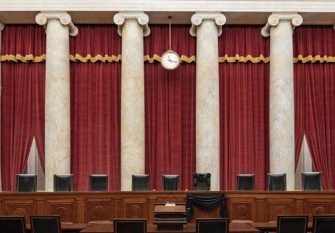 Muerte de Ginsburg exhibe fragilidad de Obamacare