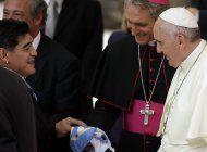 vaticano: papa reza por maradona, le recuerda con afecto