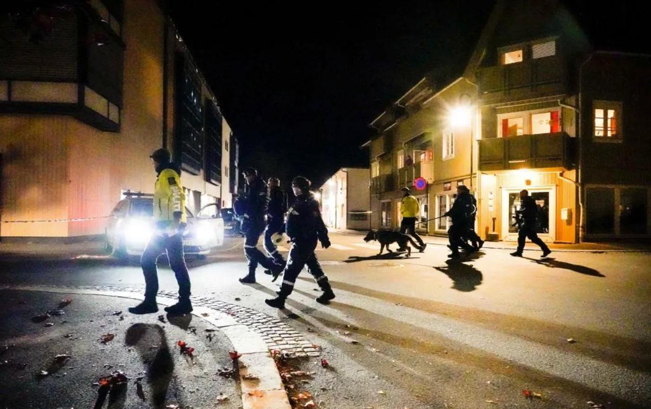 varios muertos en un ataque con arco y flecha en, noruega