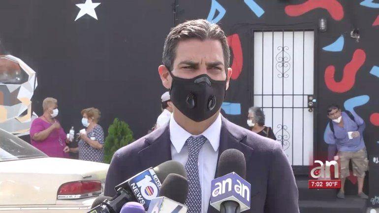 Ciudad de Miami aprueba multas de 50 a 500 dólares y cárcel a quien no use mascarilla en público